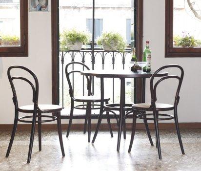 Stuhl No 14 von TON
