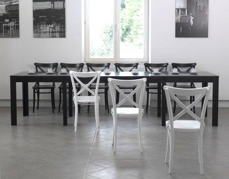 Stuhl No 150 von TON