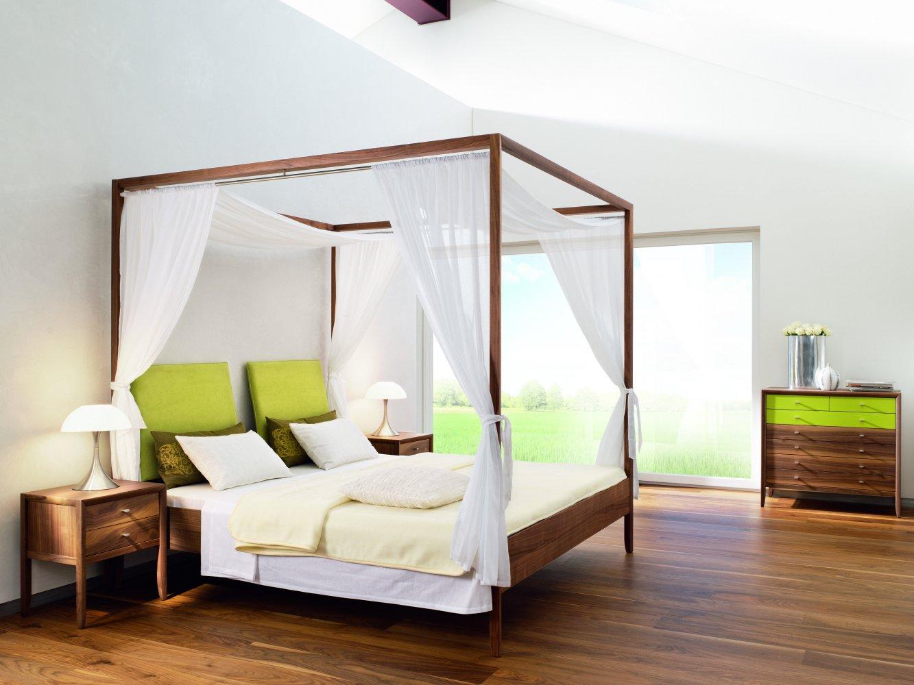 Romantisches Schlafzimmer Mit Himmelbett Gestalten Romantisches ...