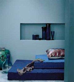 Die Kombination von Wandfarbe in Harmonie ergibt ein subtiles und ausgewogenes Wohnstyling.